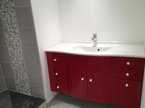 Renovation de salle de bain cassis for Miroir au cassis